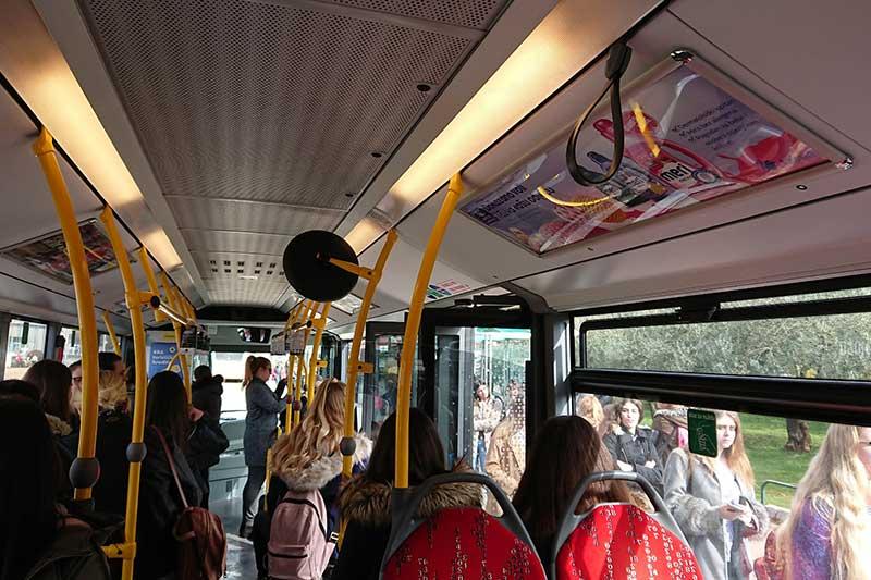Oglašavanje u autobusima