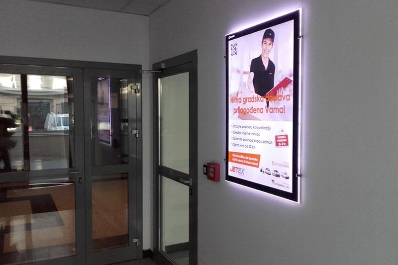 Plakati u poslovnim tornjevima