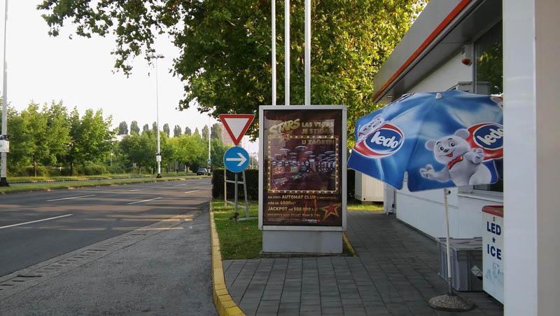 Oglašavanje plakatima na benzinskim stanicama